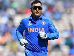 Dhoni Said Hell Play Till Hes Beating Teams Fastest Runner: Manjrekar