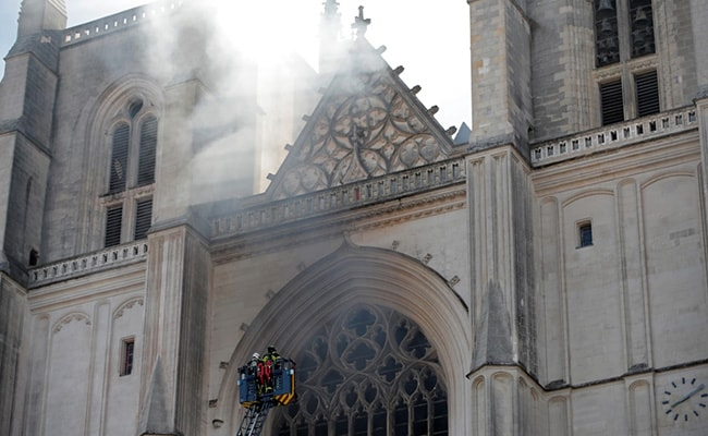 Volunteer Confesses To Setting 15th Century French Cathedral On Fire