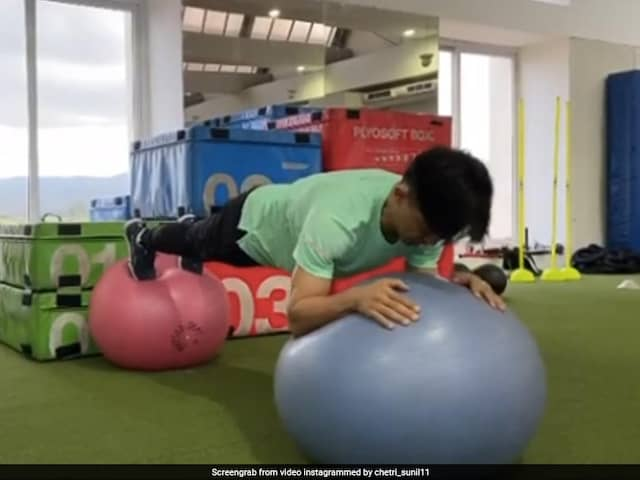 Virat Kohli Gets Difficult Workout Challenge From Sunil Chhetri. Watch