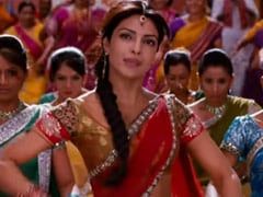 "Priyanka Chopra's ""Teenage Dream Came True"" When Saroj Khan Choreographed Her In <i>Agneepath</i>"
