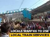 Video : Police Disperse Crowd Demanding Permission To Board Mumbai Local Trains