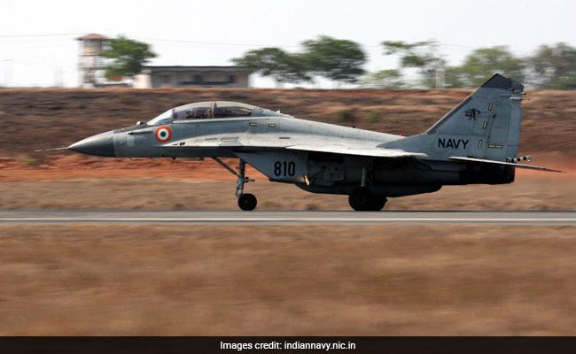 चीन के साथ तनातनी के बीच नौसेना MiG-29K लड़ाकू विमानों को नॉर्थ एयरबेस पर कर सकती है तैनात: रिपोर्ट