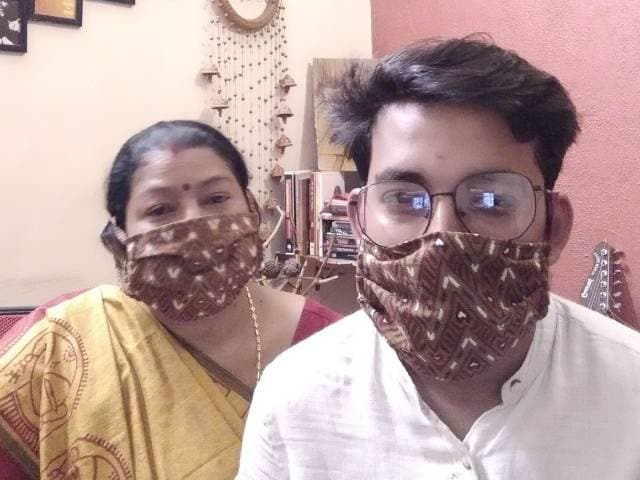 Video: Pick One, Stay Safe: A Mother-Son Duo In Delhi Distributes Masks For Free