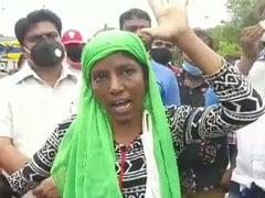 इंदौर : पीएचडी डिग्रीधारी महिला सब्जी विक्रेता ने निगम अधिकारियों को धाराप्रवाह अंग्रेजी में लताड़ा, देखें VIDEO