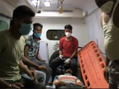 दिल्ली में एंबुलेंस ड्राइवरों के साथ मारपीट, एक दर्जन गाड़ियों में की गई तोड़फोड़