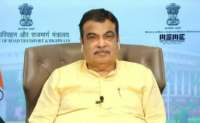 Centre Trying To Construct E-Highway On Delhi-Mumbai Expressway: Minister