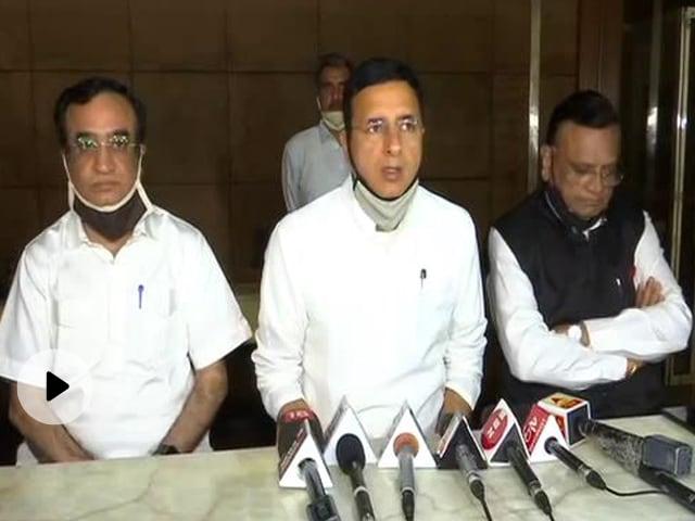 राजस्थान में सियासी घमासान: कांग्रेस ने कहा - सचिन पायलट के लिए खुले हैं दरवाजे, समस्याएं पार्टी के सामने रखें