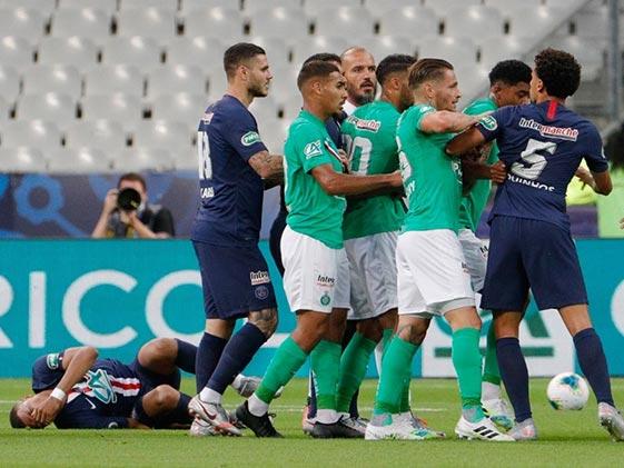 French Cup Final: स्टार खिलाड़ी काइलन एमबापे के साथ हादसा, लाइव मैच में खिलाड़ी से हुई जबरदस्त भिड़ंत.. देखें Video