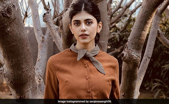 'See You Soon. Or Maybe Not': Sushant Singh Rajput's Dil Bechara Co-Star Sanjana Sanghi Leaves Mumbai For Hometown