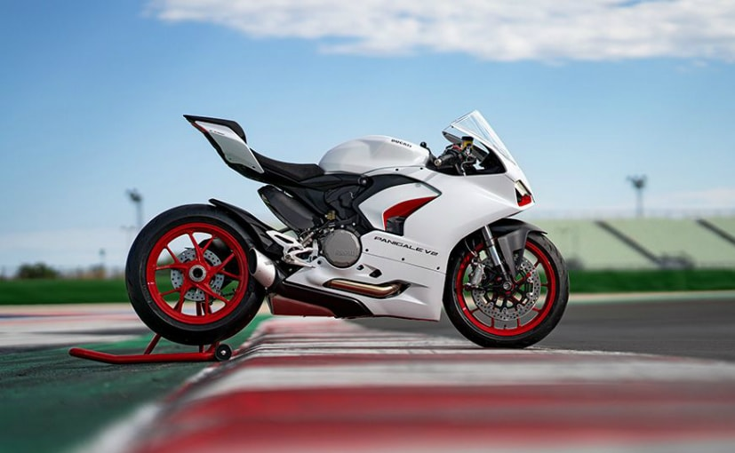 Ducati Panigale V2 Gets White Rosso Livery