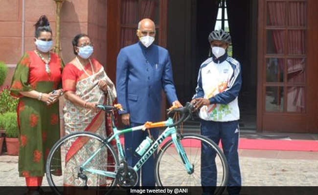 President Gifts Bicycle To Student, Who Works As Dishwasher In Ghaziabad
