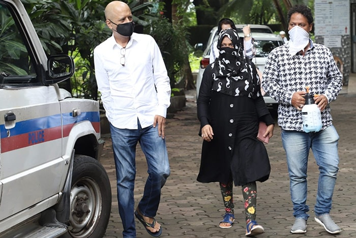 Jagdeep's Funeral: Sons Jaaved Jaaferi And Naved, Johnny Lever Pay ...