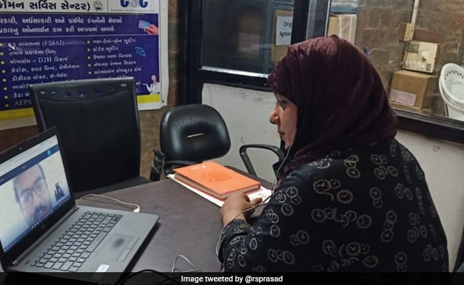 भारत की पहली ट्रांसजेंडर ऑपरेटर बनीं जोया खान, खुद केंद्रीय मंत्री ने ट्वीट कर दी जानकारी