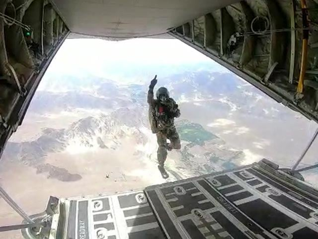 Video : Indian Paratroopers Jump Out Of Super Hercules Plane Over Ladakh