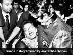 Saroj Khan Dead: अमिताभ बच्चन को सरोज खान ने दिया था जब एक रुपये, पोस्ट शेयर कर Big B बोले- यह बड़ी उपलब्धि थी...