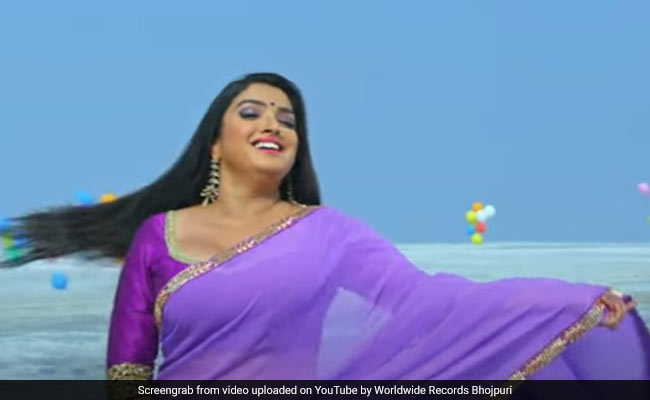 Bhojpuri Song: आम्रपाली दुबे के रोमांटिक सॉन्ग का जबरदस्त धमाल, Video डेढ़ करोड़ के पार
