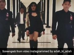 अदा शर्मा ने बॉडीगार्ड संग स्लो मोशन में यूं किया वॉक, एक्ट्रेस का स्वैग हुआ वायरल- देखें Video