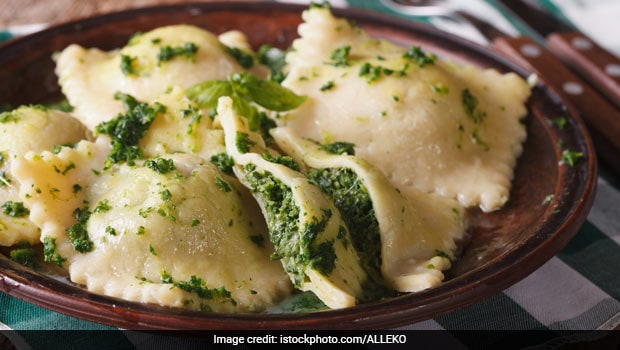 Move Over Pizza And Pasta; Make Cheesy Spinach Ravioli With This Easy Recipe