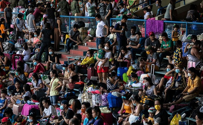 Thousands Crammed Into Philippines Stadium After Covid Evacuation Fails