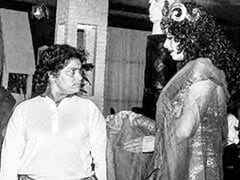 "Saroj Khan And Sridevi From <i>Hawa Hawai</i> Sets: ""This Is A Sad Pic,"" Writes <I>Mr India</i> Director Shekhar Kapur"