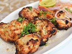 Indian Cooking Tips: अगली शाम की स्नैक्स टेबल को स्वाद से भरने के लिए बनाएं चिकन मलाई कबाब! यहां जानें आसान रेसिपी