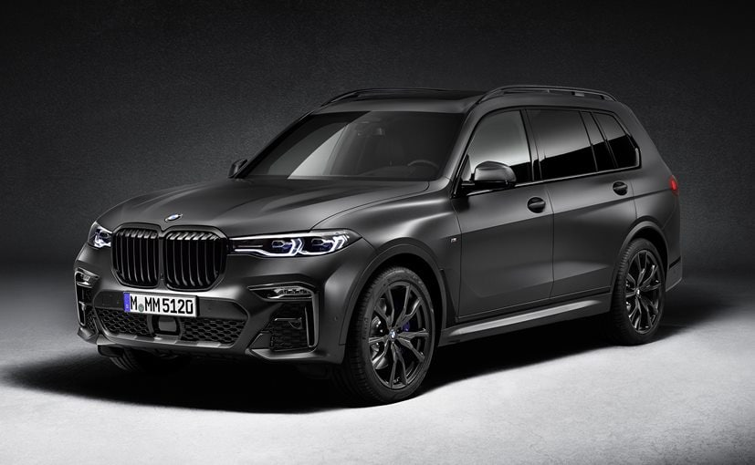 The biggest highlight of the new BMW X7 Dark Shadow Edition is the new Frozen Arctic Grey metallic colour