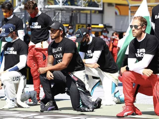 """Lewis Hamilton Says He """"Never Demanded Anybody"""" To Take Knee"""