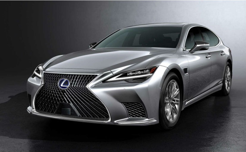 The 2021 Lexus LS sports a revised headlamp design while the spindle grille gets a new finish