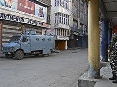 जम्मू-कश्मीर: श्रीनगर में आतंकियों के साथ सुरक्षाबलों की मुठभेड़, तीन आतंकी ढेर, दो जवान घायल