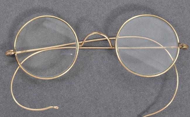 दो करोड़ 55 लाख रूपये में बिका महात्मा गांधी का चश्मा, ब्रिटेन में हुई नीलामी