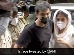 Rhea Chakraborty ने शेयर किया Video, बोलीं- हमारी लाइफ को खतरा है, कोई मदद नहीं कर रहा है...