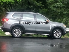 2020 MG Gloster SUV With Silver Colour Spotted Ahead Of Launch