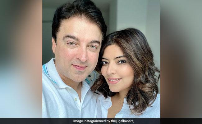 फेमस चाइल्ड एक्टर रहे जुगल हंसराज ने पत्नी के साथ शेयर की फोटो, इस खास अंदाज में किया प्यार का इजहार