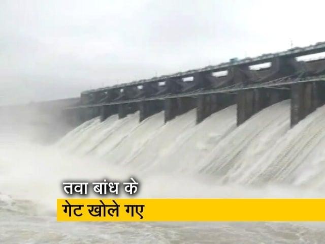Videos : देश प्रदेश: एमपी में तवा बांध के गेट खोले गए, गांवों में पहुंचा पानी
