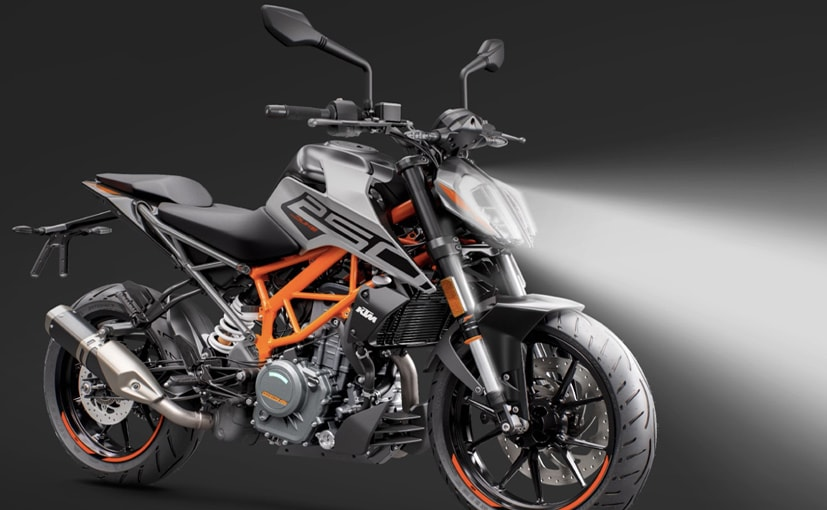 The BS6 KTM 250 Duke is priced at Rs. 2.09 lakh (Ex-showroom, Delhi)
