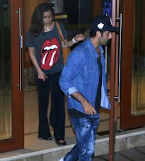 Alia Bhatt And Ranbir Kapoor Visit Sanjay Dutt At Home. Pics Here