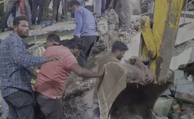 मध्य प्रदेश में बारिश से दो मकान ढहे, 6 लोगों की मौत, चार घायल