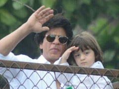 "Eid Mubarak From Shah Rukh Khan And AbRam. ""Everyone Give Yourself A Hug,"" Writes The Actor"