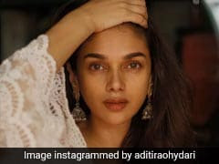 Aditi Rao Hydari's Simple Kurta Look Is Straight Out Of A Dream