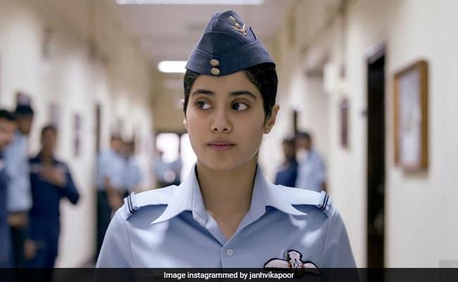 'Cried My Eyes Out,' Tweets Hrithik Roshan After Watching Janhvi Kapoor's Gunjan Saxena: The Kargil Girl