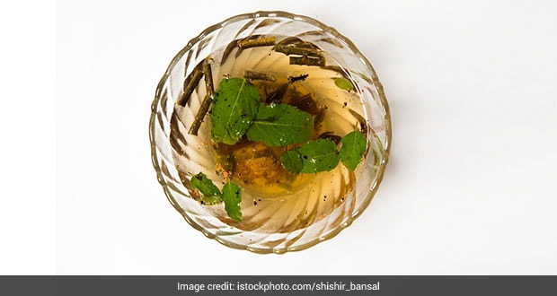 Immunity: This Tulsi-Ginger And Haldi Kadha May Soothe That Stubborn Cough And Cold