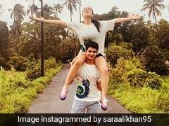Sara Ali Khan और इब्राहिम की Photos हुईं Viral, कहीं कंधे पर बैठ उठाया मौसम का मजा तो कहीं सड़क पर बैठी आईं नजर