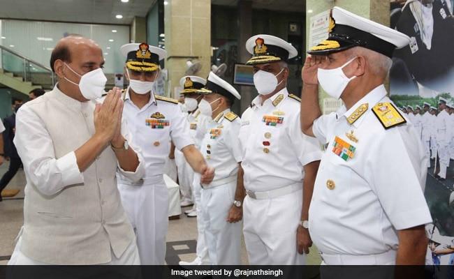 रक्षा राजनाथ सिंह बोले- किसी भी चुनौती का जवाब देने का माद्दा रखती है इंडियन नेवी