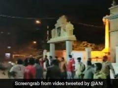 बेंगलुरू हिंसा के बीच दिखी हिन्दुस्तान की खूबसूरती, मुस्लिम युवाओं ने ऐसे बचाया मंदिर - देखें VIDEO