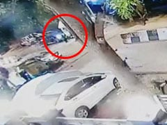 Caught On Camera: Fashion Designer Rams 4 With BMW In South Delhi
