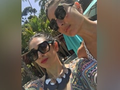 Kareena And Karisma Kapoor's Swag Makes This Selfie Perfect