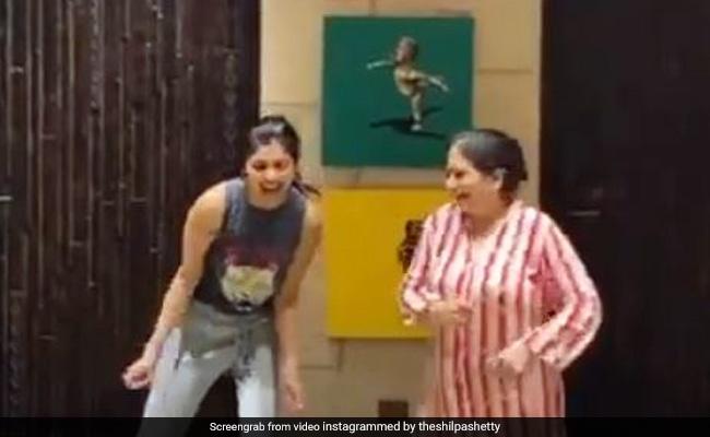 Shilpa Shetty ने सासू मां के साथ पंजाबी सॉन्ग पर डांस से यूं मचाया धमाल, Video हुआ वायरल