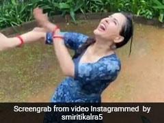 TV एक्ट्रेस मुंबई की बारिश में 'बरसो रे मेघा' सॉन्ग पर मस्ती में डांस करती आईं नजर, Video हुआ वायरल