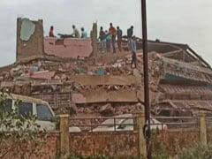 மகாராஷ்டிராவில் அடுக்குமாடி குடியிருப்பு சரிந்து விபத்து! 15 பேர் காயம்!!