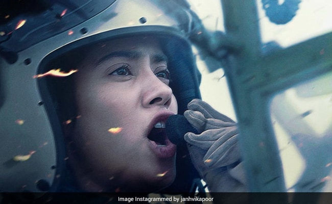 Gunjan Saxena The Kargil Girl Trailer The Sky Is The Limit For Janhvi Kapoor And Her Dreams